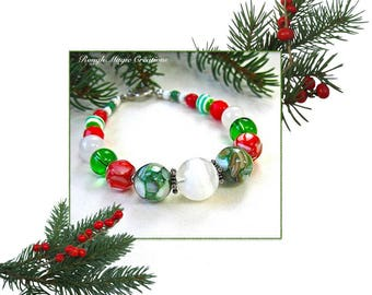 Chunky Christmas Bracelet, Red Green White Glass Beads, Snow Jade, Resin Shell, Silver Toggle Clasp, Colorful Holiday Gift for Women B199