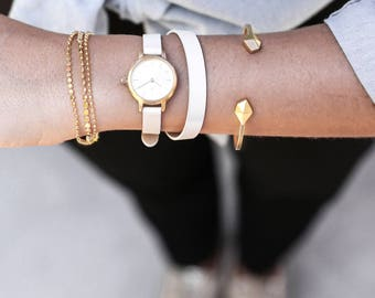 22 mm Watch in Gold and White, Small Women's Wrist Watch, White Wrap Wrist Watch, Leather Strap, Bracelet Watch, Leather Band Watch