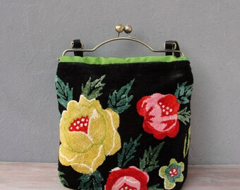Bohemian Floral Bag - Vintage Embroidery, Black bag, Flower Power, Kiss-lock