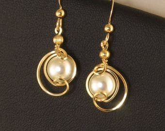 White Pearl Small Dangle Gold Earrings, Majorca Pearl Wire Wrapped Drop Earrings, Pearl Wedding Jewelry, Unique White Pearl Gold Earrings