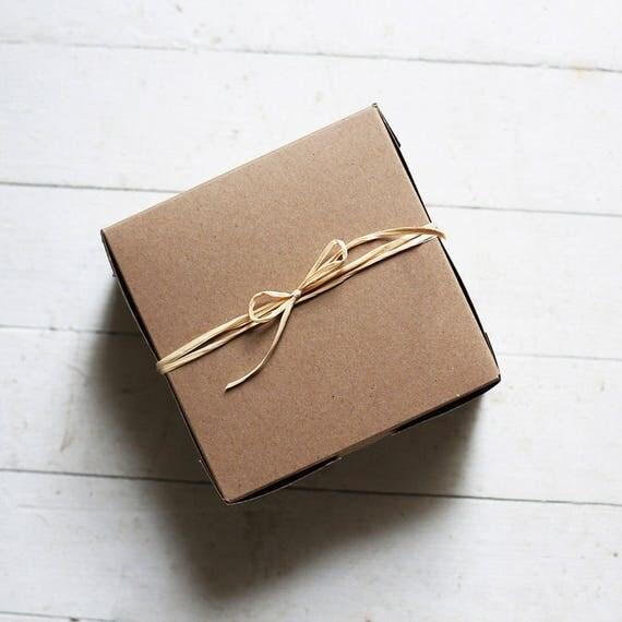 Set of 10- 12 x 12 x 5 inch Kraft / White reversible boxes