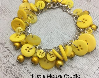 Button Bracelet, Yellow Button Bracelet, Statement Bracelet, Statement Bracelet, Upcycled Jewelry Button Jewelry, Vintage Buttons, Charm s