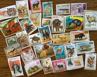 30 Animal Used World Postage Stamps for crafting, collage, cards, altered art, scrapbooks, decoupage, history, collecting, philately 20c