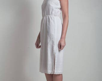 70s vintage white eyelet scallop cotton dress elastic waist spaghetti straps MEDIUM M