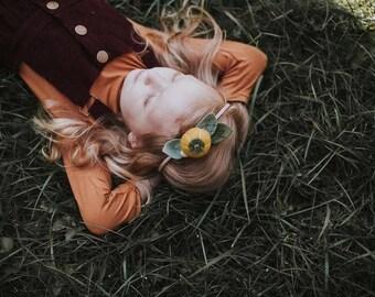 Single Flower Headband or Alligator Clip // Mini Pumpkin, Fall Felt Flower