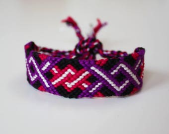 Friendship bracelet - Boho macramé bangle, twisty geometric design - Twisted pattern pink purple black white