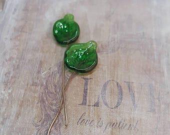 2 clous en verre de Murano filé à la flamme, feuilles vert, SAHP15