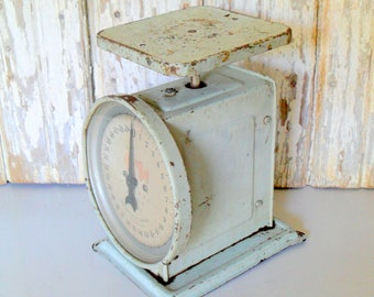Vintage Scale, Vintage Metal Scale, Antique Scale, Nursery Scale, Rusty Scale, Scale