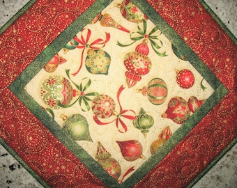 Sale Christmas in July Christmas Table Topper, Ornaments, Reversible, quilted, handmade, Wall hanging, Door hanger, from Kaufman Florish