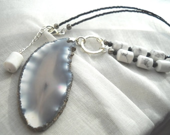 Black and white agate slice necklace: For Ever | Geode necklace | Black and white necklace | Agate slice pendant | Boho necklace | Statement