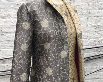 Daisy Pattern Brocade Mid-length Semi-fitted Jacket, size Medium