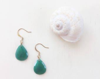Green Onyx Teardrop Earrings || Green Earrings, Onyx Earrings, Teardrop Earrings, Emerald Earrings, Gemstone Earrings, Lightweight Earrings