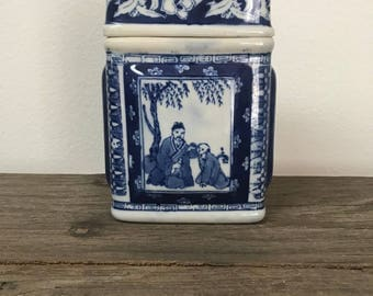 Vintage blue and white porcelain chinoiserie rectangle box tea canister caddy with lid