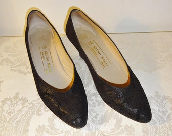 Vintage Bruno Magli Black Pumps Shoes Size 6 1/2 AA Paisley Embossed Suede
