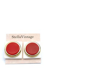 Bloom vintage square red and white stud earrings