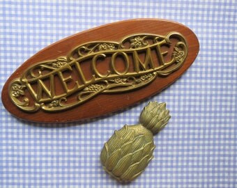 Brass Welcome Sign // Vintage Gold Metal Ornate Floral Design Wall Hanging Plaque Entryway Porch Decor Mid Century Modern Retro Decor