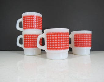 Gingham Pattern Glass Mugs // Vintage Set of Four Stacking Retro Milk Glass Coffee Cups Fire-King Anchor Hocking Mid Century Retro Red White