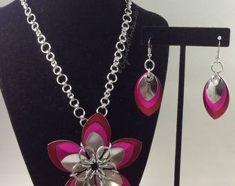 "Triple Layer Scale ""Sakura"" Flower Necklace"