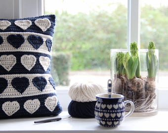 Crochet pattern Hearts cushion