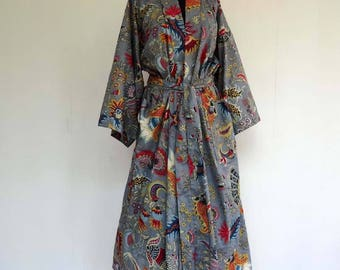 Kimono dressing gown grey and multicolor designs pailsley