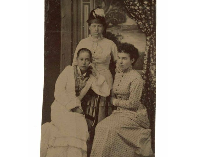 Three Young Women 1/6 Plate Tintype 1800s Antique Photo (78596)