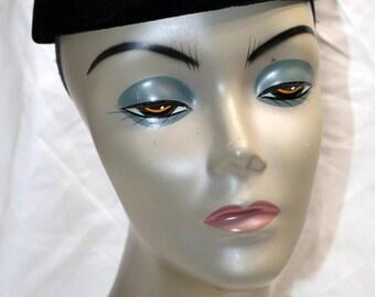 1950s Black Velvet Circlet Hat  - Very Good to Excellent Condition - Unmarked - Ladies Hat