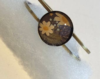 Daisies in an Antique-ish Bronze Bangle Bracelet
