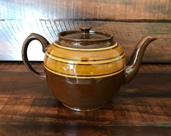 SALE Large Vintage 8 Cup Sadler Brown Betty with yellow stripes