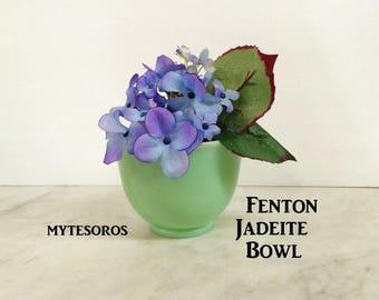 ViNTAGE FENTON JADEITE CoNDIMENT BOWL, ViNTAGE GrEEN Milk glass, MaRTHA StEWART Jadeite,  ViNTAGE KiTCHEN CooKING SeRVING GrEEN Jadeite BowL