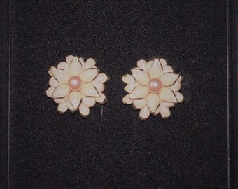 Joan Rivers Clip On Earrings - Pale Pink Flowers - S2343