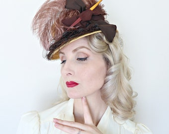 Vintage 1940s Hat / Topper / 40s Tilt Hat / Straw / Feather / Bow / Horsehair ruffles
