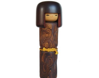 Award Winning Tall Woodgrain Kokeshi Doll. Vintage Japanese Kokeshi Doll. Large Kokeshi. Handmade Japanese Doll. Sculpture. Vintage Kokeshi.