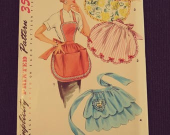 4938 Simplicity Pattern Apron Pattern One Size Pattern for Sewing.  Unused