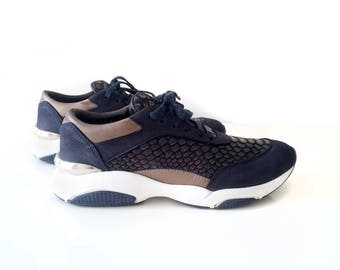 Navy Casual Faux Crocodile Shoes For Women Lace Up
