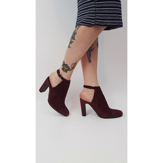 90s Maroon Suede Cutout Heels US Size 8 - Vintage Heel Cut Out Dressy Women's Ankle Strap Pumps - 1990 Vintage Fall Spring Summer Cute Mules
