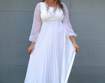1970s Casual Pleated Wedding Dress