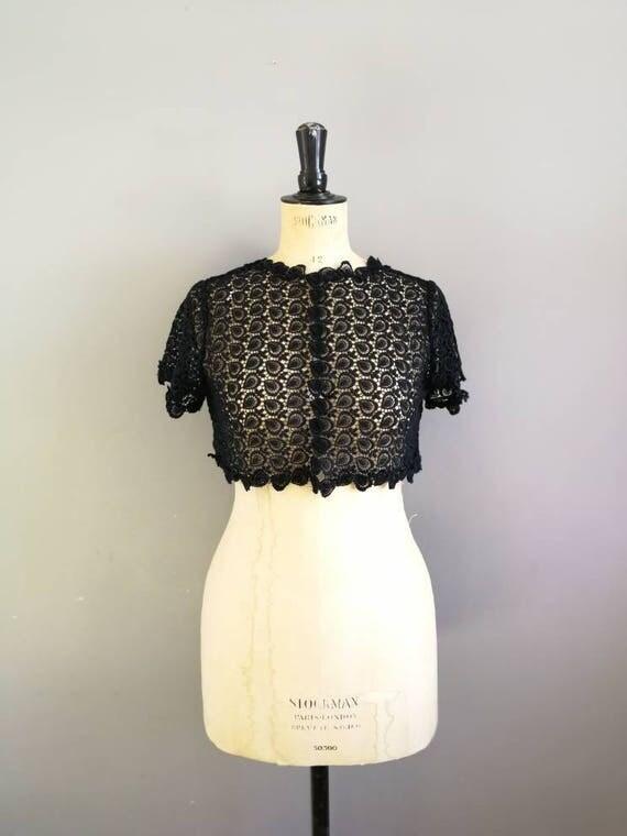 Vintage black lace bolero / 60s black lace cropped jacket / black lace blouse / true vintage lace cover up /