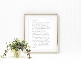 Serenity prayer in elegant handwritten modern calligraphy with gilding detail