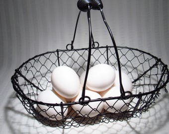 Oval Wire Egg Basket With Wire Handles - Excellent Condition - No Bends Or Scratches Of Any Kind - Cottage Chic.