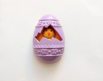 Vintage 70s Avon Easter pin pal Chick-a-Peep egg Chick 1977 Fragrance Glace plastic perfume locket brooch baby chicken yellow purple