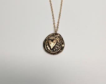heart necklace, heart pendant, heart jewelry, gold heart necklace, heart, gold heart, gold heart pendant, gold necklace, necklace, jewellery