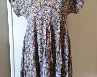 Sweet 90s babydoll dress