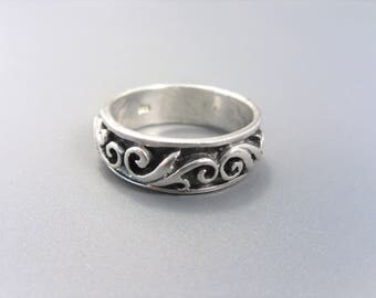 Vintage Sterling Fancy Scroll Band Ring Size 8