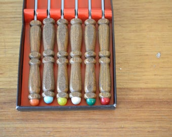 Vintage 6 x Foundue Forks wooden handle boxed
