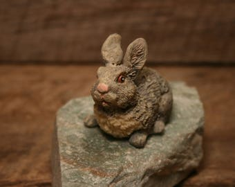 resin rabbit