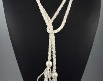 1970s Long Vintage White Faux Pearls Lariat Necklace
