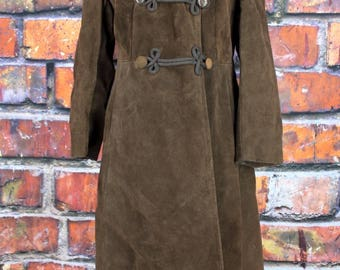 Vintage 1970s Suede Coat with Coyote Fur Trim