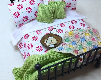 Miniature Dollhouse Duvet Bedding Set - White with Fushia Flowers -Queen/Double