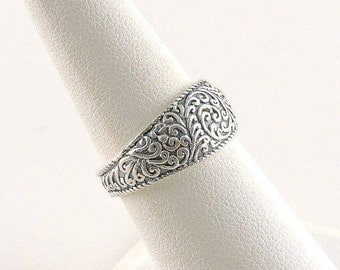 Size 7 Sterling Silver Engraved Ring