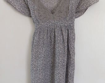 Vintage OASIS 1990's Grey Floral Grunge Lightweight Cotton Mini Smock Dress with Cap Sleeves and Tie to Rear UK Size 6/10 / US Size 2/6